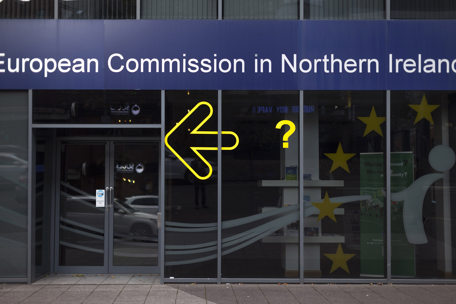 The European Union has played a central role in Northern Ireland's peace process, financing infrastructure, cultural activities and social programs, and allowing to open the border with the rest of Ireland. The consequences of Brexit, which was rejected by more than half of Northern Ireland's population, remain unclear to this day.